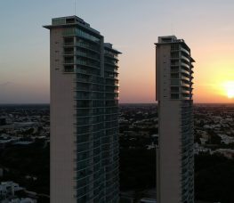 Atardecer Country Towers